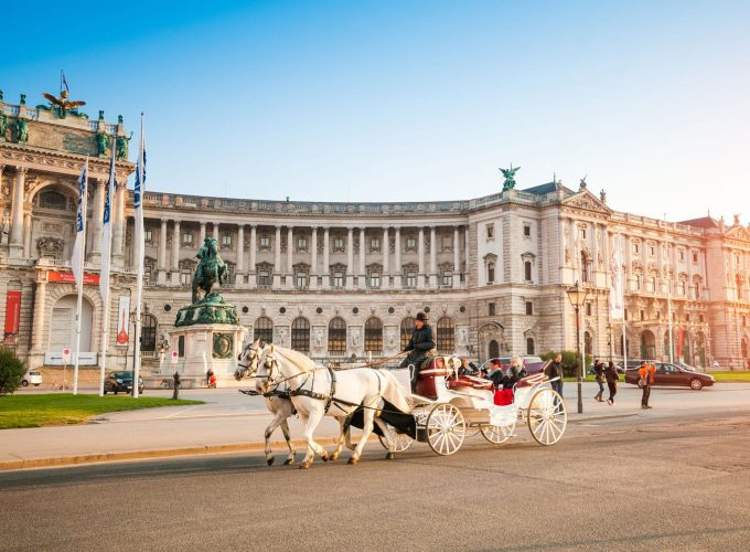 บริการจองออนไลน์การเดินทางท่องเที่ยวทั่วโลก ของหุ้นส่วนผู้ประกอบการธุรกิจ ทัวร์ โรงแรม ตั๋วเครื่องบิน รถเช่า งานอีเว้นท์